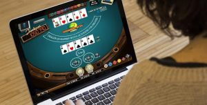 Kelebihan Bermain Poker Online Terpercaya